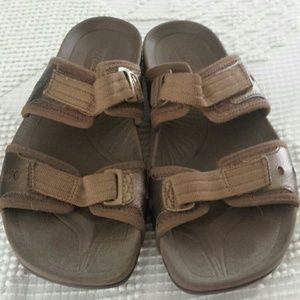 Earth exer-slide sandals